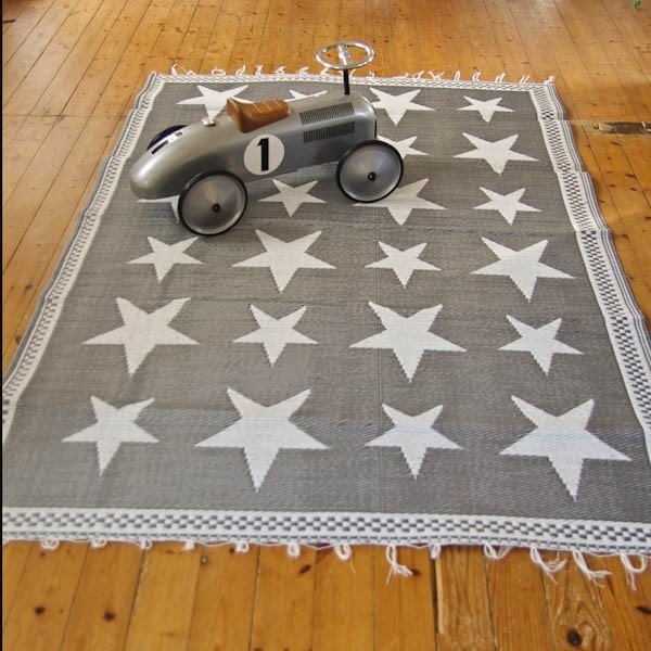 tapis gris ikea design tapis salon moderne ikea vitry sur seine with tapis gris ikea gallery. Black Bedroom Furniture Sets. Home Design Ideas