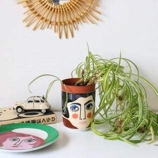 Pot en céramique Mrs Edelman d'Ingela Arrhenius