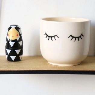 Mini pot pour plante avec des yeux