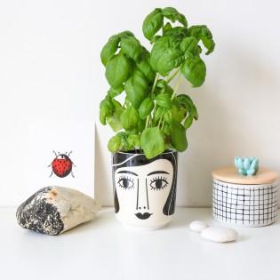 Pot en céramique Mrs.Schultz d'Ingela Arrhenius