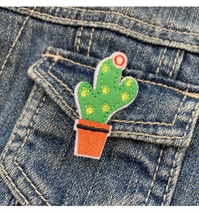 Broche brodée Cactus - Global Affairs