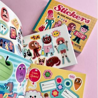 Livre de stickers Jaune Ingela Arrhenius - OMM Design